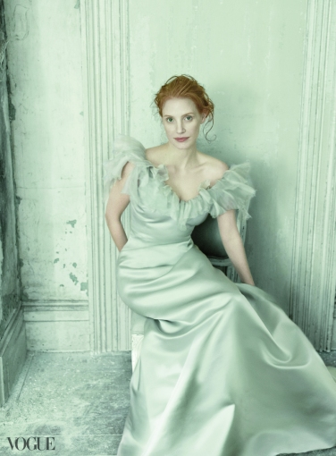 Vogue-Magazine-December-2013-jessica-chastain-36077155-883-1200
